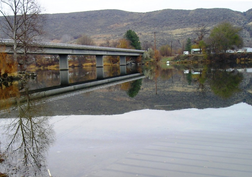 okanogan-river-monse-bridge-boat-ramp
